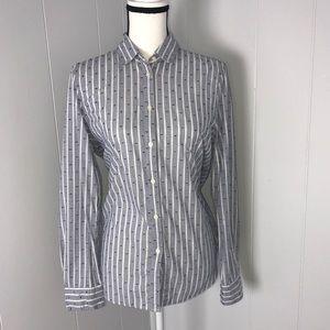 NEW WITH TAG  Gap Shirt